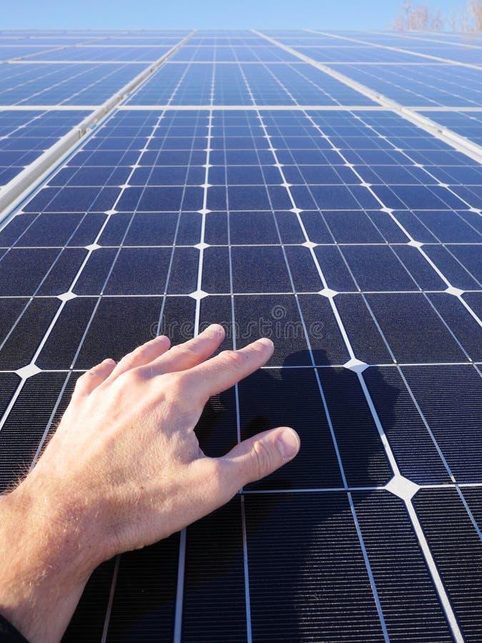 Tejado de las células solares fotos de archivo libres de regalías