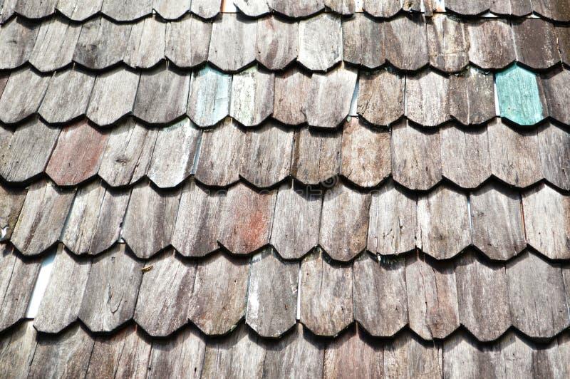 Tejado de madera viejo imagenes de archivo