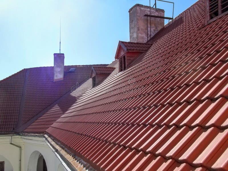 Tejado de teja roja del castillo de Palanok, primer imagen de archivo libre de regalías