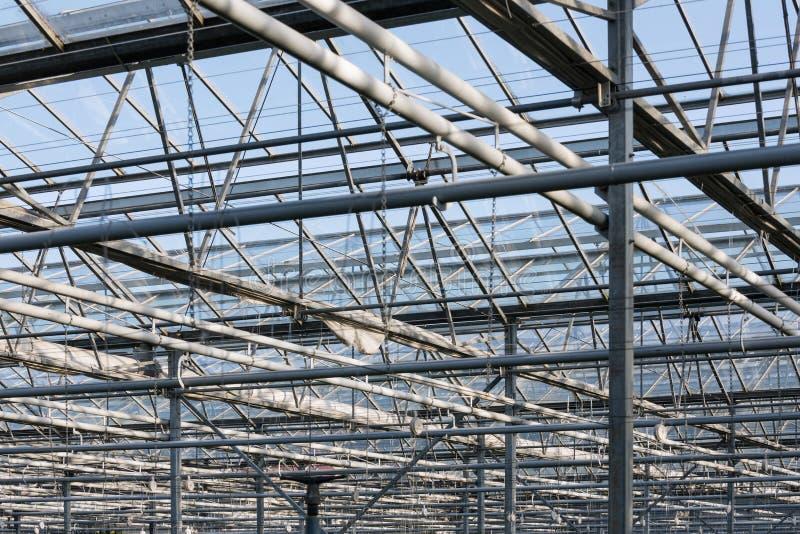 Tejado y marco de acero del invernadero holandés fotografía de archivo libre de regalías