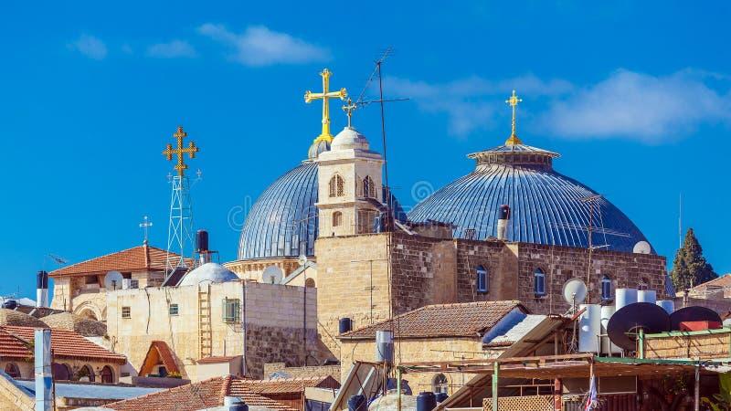 Tejados de la ciudad vieja con la bóveda de Santo Sepulcro Chirch, Jerusalén imagen de archivo libre de regalías
