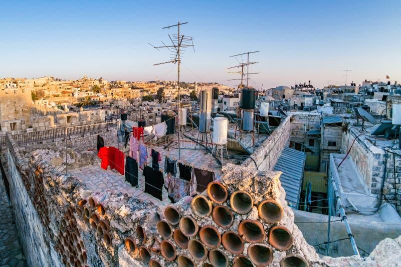 Tejados de la ciudad vieja Jerusalén, Israel fotos de archivo