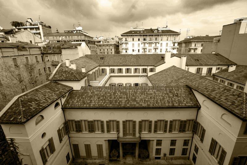 Tejados de Milán, Italia imagen de archivo libre de regalías