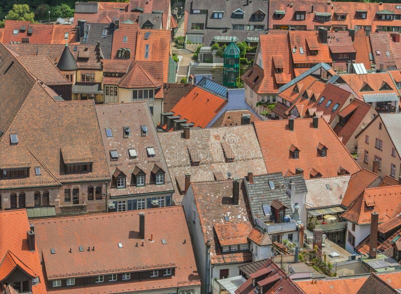 Tejados rojos europeos fotos de archivo libres de regalías