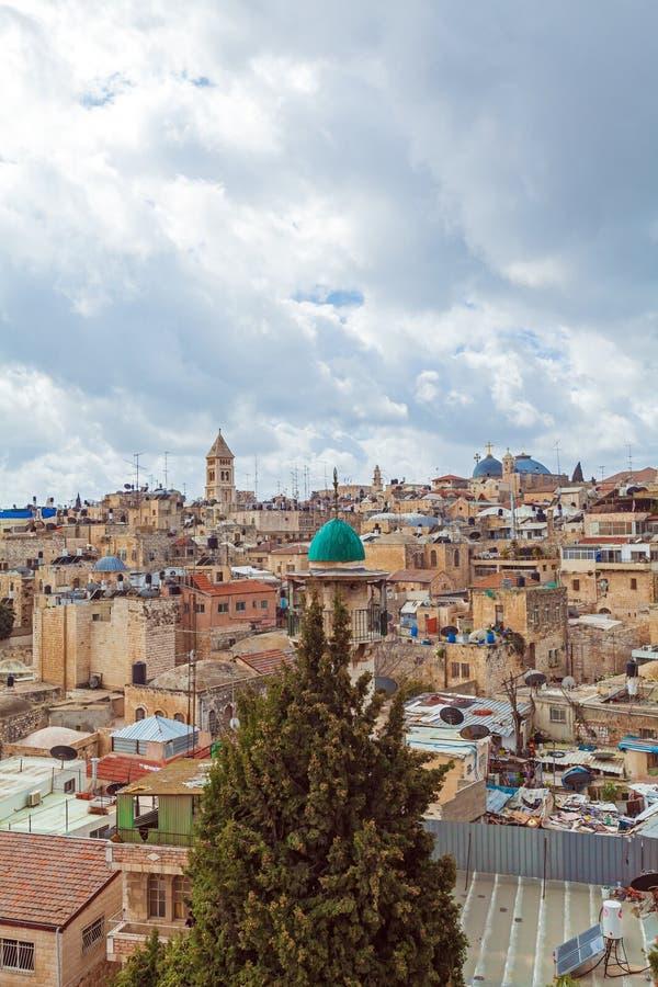 Tejados viejos de la ciudad de Jerusalén fotografía de archivo libre de regalías