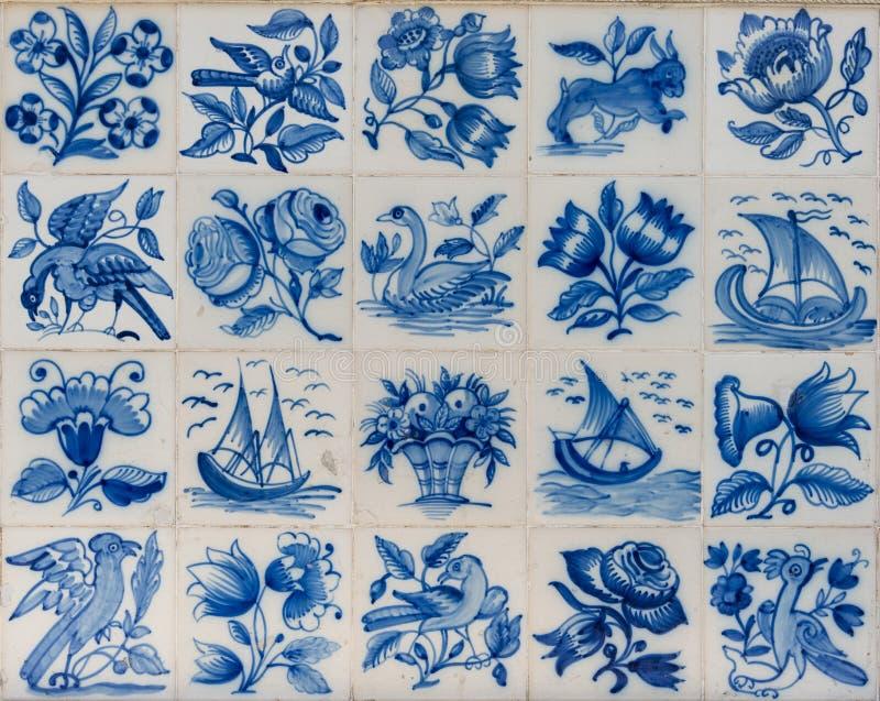 Tejas de cerámica del azulejo fuera del edificio en Lisboa fotografía de archivo libre de regalías