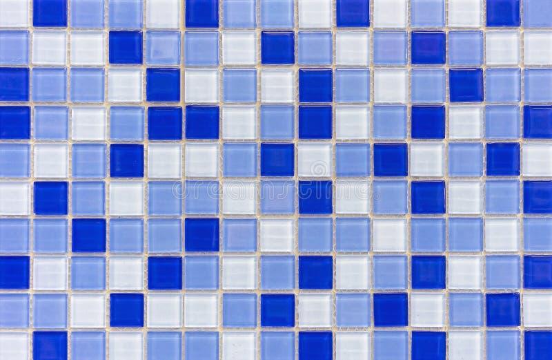 Tejas de mosaico dentro del cuarto de ba?o Fondo del mosaico de las baldosas cer?micas foto de archivo