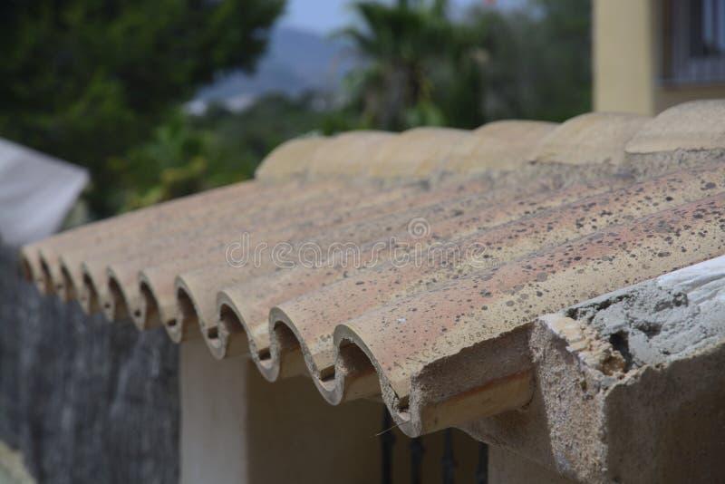 Tejas de tejado españolas imagen de archivo