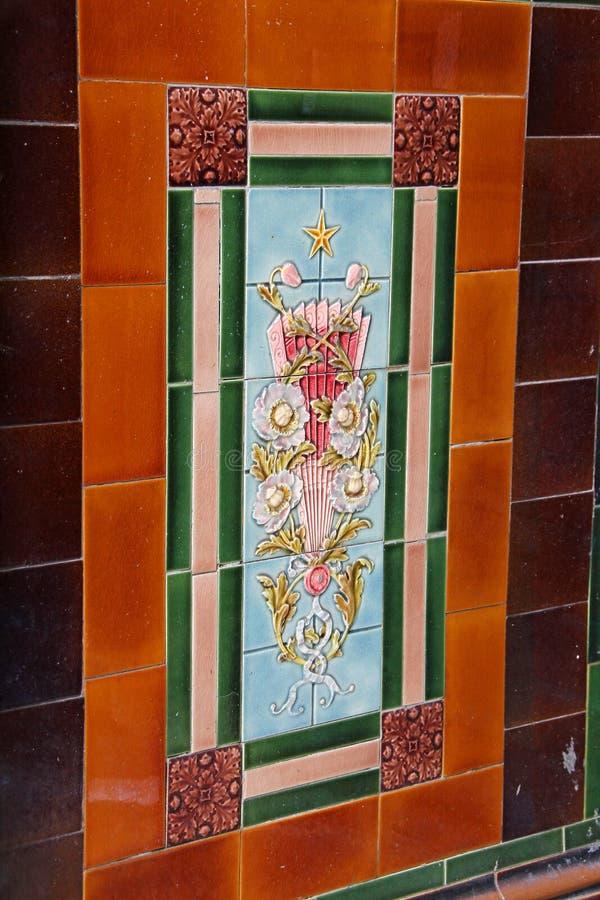Tejas victorianas de la pared foto de archivo