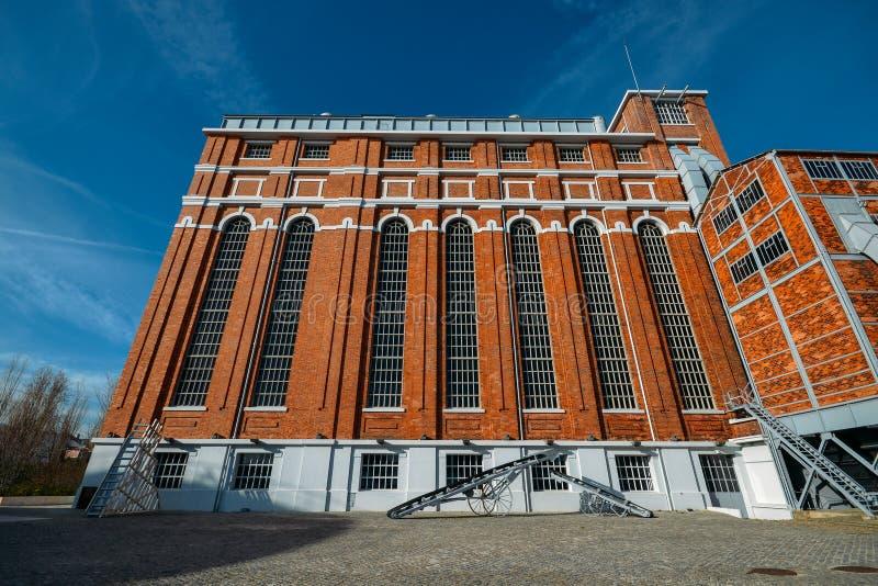 Tejo Power Station in Lissabon, Portugal, een vroegere thermo-elektrische elektrische centrale die momenteel gastheren het Elektr stock fotografie