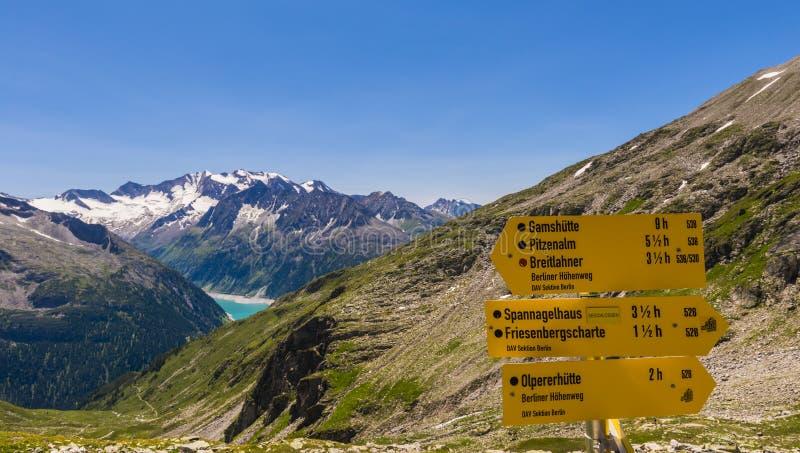 Teken die Oostenrijk wandelen royalty-vrije stock afbeeldingen