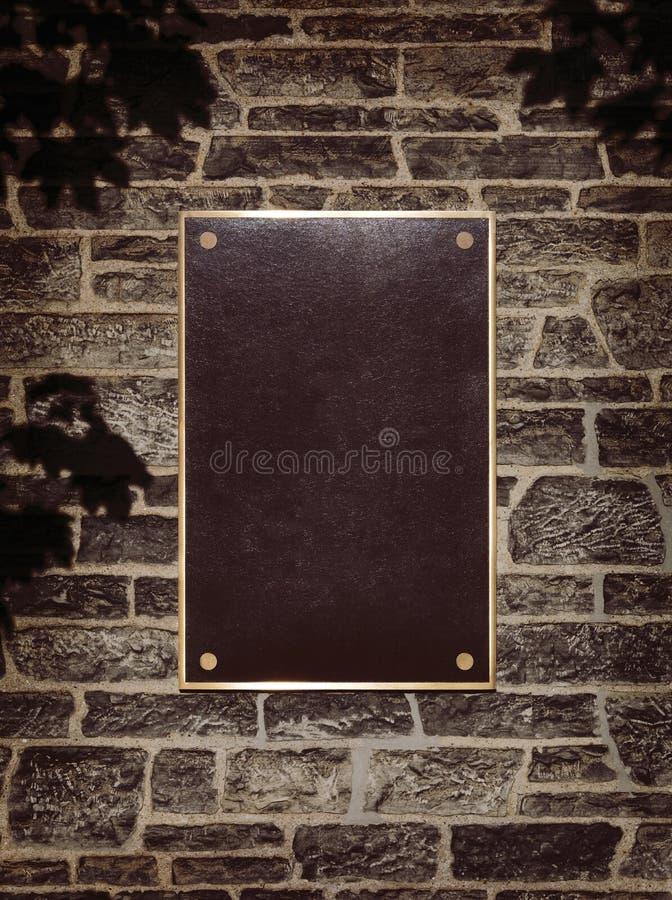Teken in het Frame van het Metaal op een Muur stock foto's