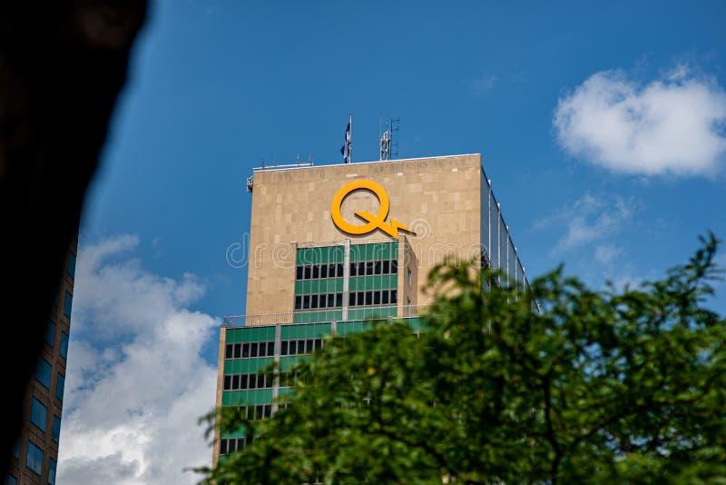 Teken hydro-Quebec op hoofdkwartier die buitenmuur, Montreal bouwen stock afbeelding