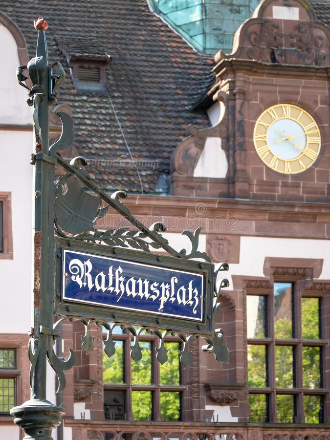 Teken van de stads het Vierkante straat in Freiburg Duitsland stock foto