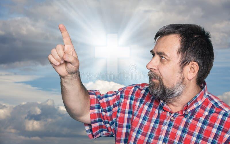 Download Teken Van Geloof Kruis In De Hemel Stock Afbeelding - Afbeelding bestaande uit hemel, christen: 54087509