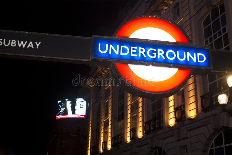 Teken van ondergronds in Londen