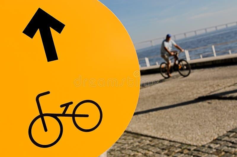 Teken versus cycler stock afbeeldingen