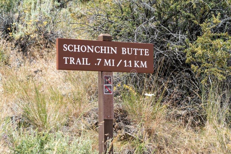 Teken voor de Schonchin-Butte Sleep trailhead in Lava Beds National Monument in Californië stock afbeeldingen