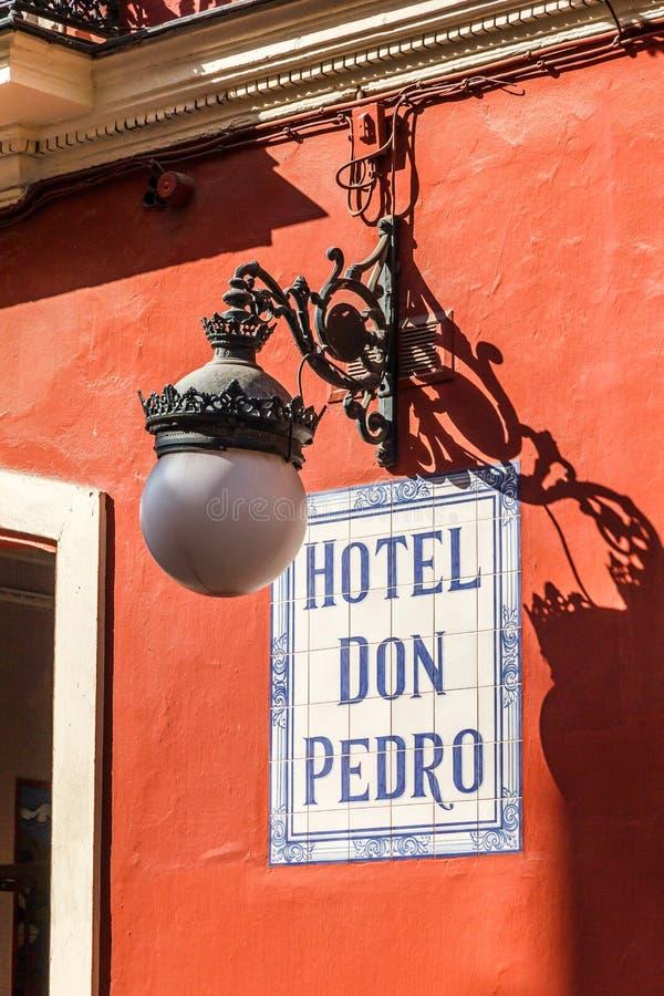 Teken voor hotel Don Pedro en lamp royalty-vrije stock foto's
