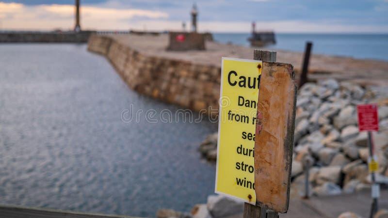 Teken: Voorzichtigheid, gevaar royalty-vrije stock foto
