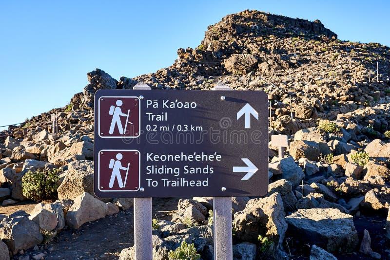 Tekenpost bij de Haleakala-bergen in Hawaï, de V.S. stock fotografie