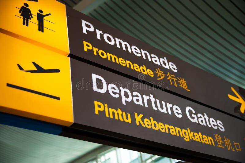 Tekens bij de luchthaven stock foto