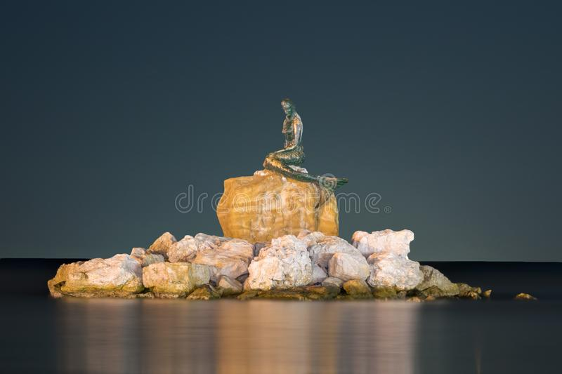 Tekirdag Belichtung der Meerjungfraustatue langes sarkoy Nacht stockfoto