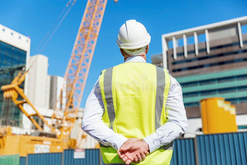 Teknikerbyggmästare på konstruktionsplatsen royaltyfri foto