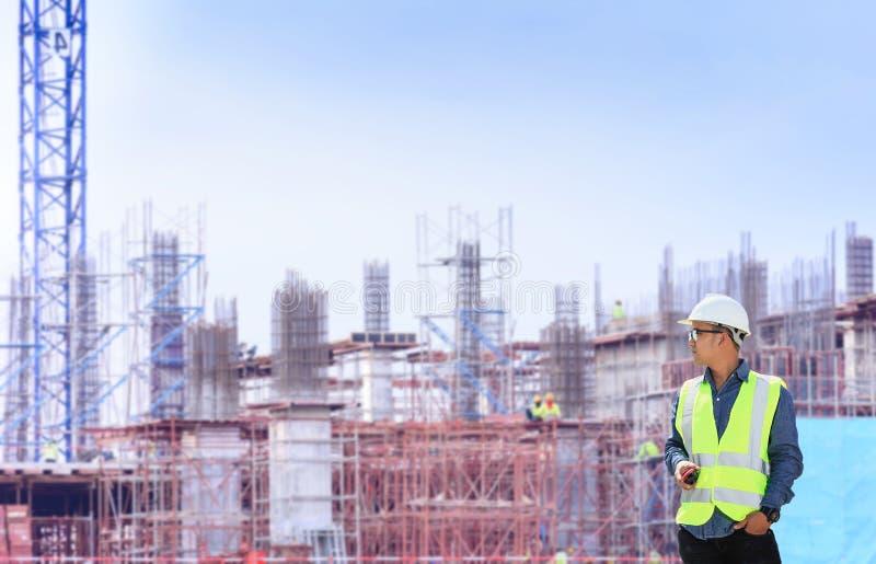 Teknikerer och konstruktionsplatser royaltyfri foto