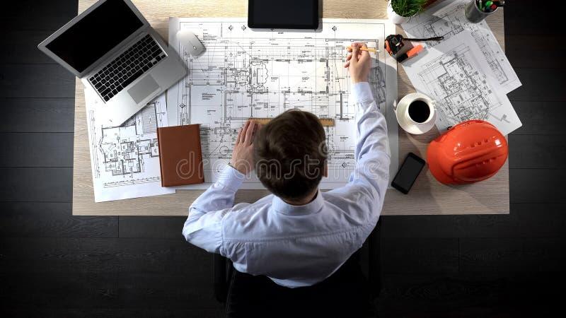 Teknikerteckningsplan av byggnad, säkerhetsteknik, kontorslägeplanläggning royaltyfria bilder