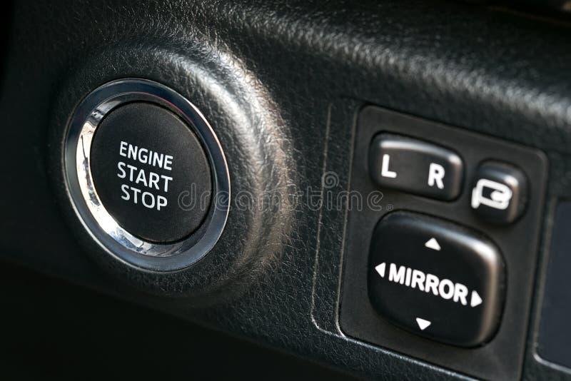 Teknologi för bil för system för motor för symbolknappstart ny royaltyfri foto