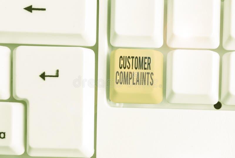 Tekst voor Word schrijven Klantklachten Bedrijfsconcept voor het uiten van ontevredenheid bij een consument is in naam stock afbeeldingen