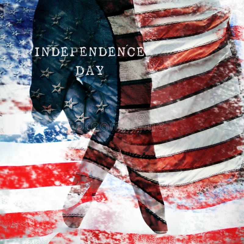 Teksta dzień niepodległości i flaga Stany Zjednoczone zdjęcie stock