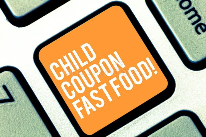 Teksta dziecka talonu szyldowy pokazuje fast food Konceptualni fotografia bileta rabata oszczędzań dżonki posiłki dla dzieciaka K obrazy royalty free