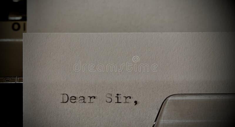 Teksta Kochany Sir pisać na maszynie na starym maszyna do pisania obrazy stock