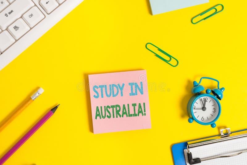 Teksta znaka seansu nauka W Australia Konceptualna fotografia iść w obcego kraju rozkazu zupełnego twój studia mieszkanie nieatut zdjęcia royalty free