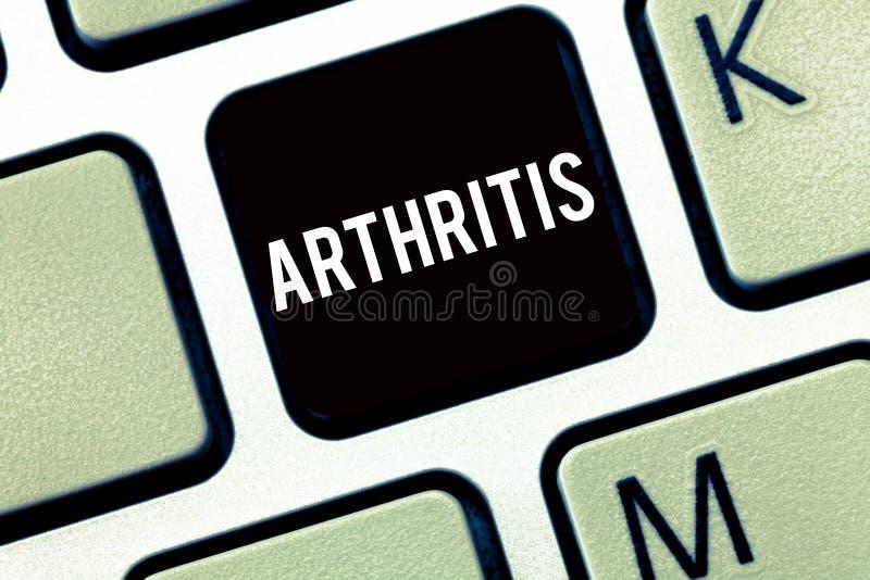 Tekstteken die Artritis tonen Conceptuele fotoziekte die pijnlijke ontsteking en stijfheid van de verbindingen veroorzaken royalty-vrije stock fotografie
