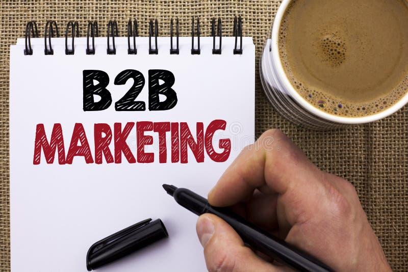 Tekstteken die B2B-Marketing tonen De conceptuele Handel van foto wordt geschreven brengen de Zaken aan Zaken Commerciële die Tra royalty-vrije stock foto's