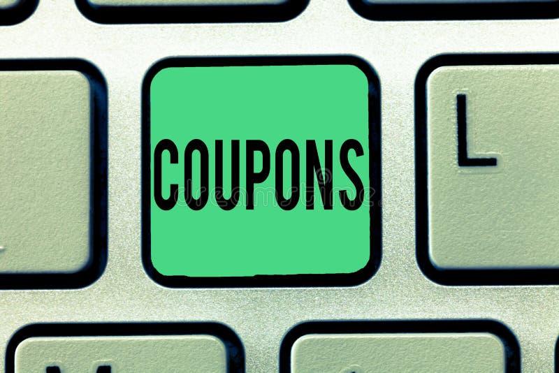 Tekstteken die Coupons tonen Conceptueel het Kaartjesetiket van het fotocertificaat voor de Verkoop van de de prijsbevordering va royalty-vrije stock afbeelding