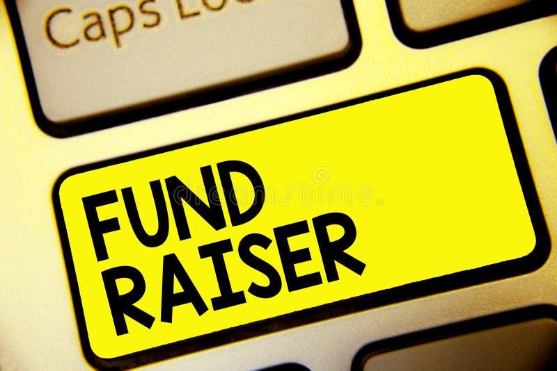 Tekstteken die Fonds tonen - fokker De conceptuele fotopersoon van wie baan of de taak is zoekt financiële steun voor de gele sle royalty-vrije illustratie