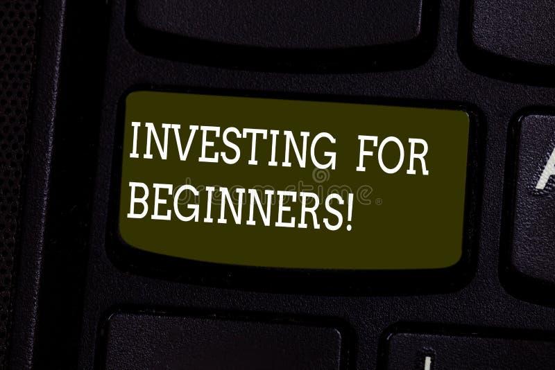 Tekstteken die het Investeren voor Beginners tonen Conceptuele fotouitgave van geld gewoonlijk voor inkomen of winsttoetsenbordsl royalty-vrije stock afbeelding