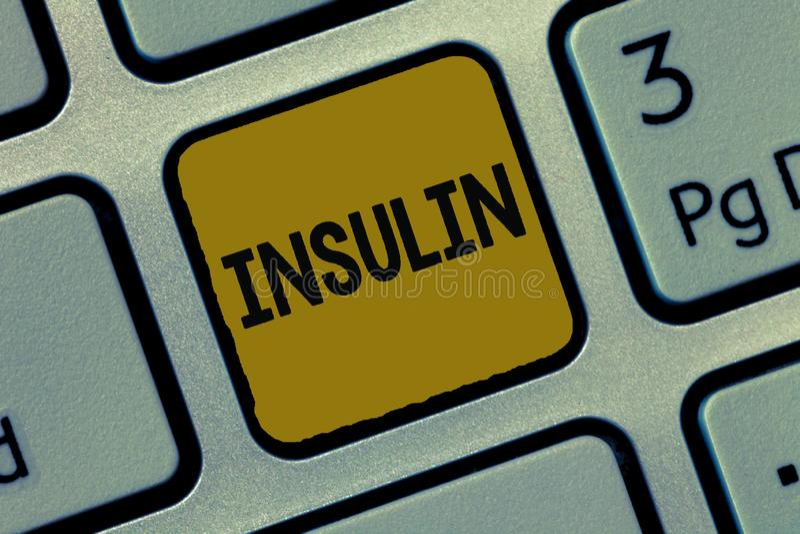 Tekstteken die Insuline tonen Het conceptuele foto Eiwit alvleesklier- hormoon regelt de glucose in het bloed stock foto's