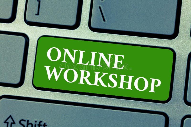 Tekstteken die Online Workshop tonen De conceptuele foto toont van goederen en goederen over de elektronische websites stock afbeeldingen