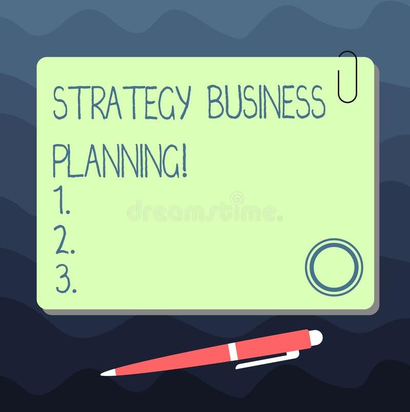 Tekstteken die Strategie Bedrijfs Planning tonen De conceptuele foto schetst een organisatie s algemene richtingsspatie is royalty-vrije illustratie