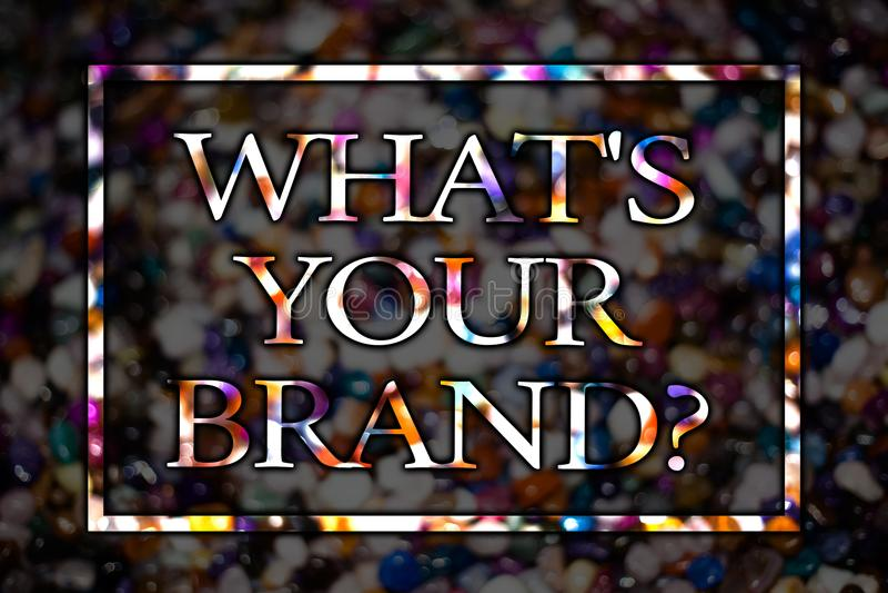 Tekstteken die Welk S Uw Merkvraag tonen Conceptuele foto die over slogan of embleem Reclame Marketing Meningskaart messag vragen royalty-vrije stock foto's