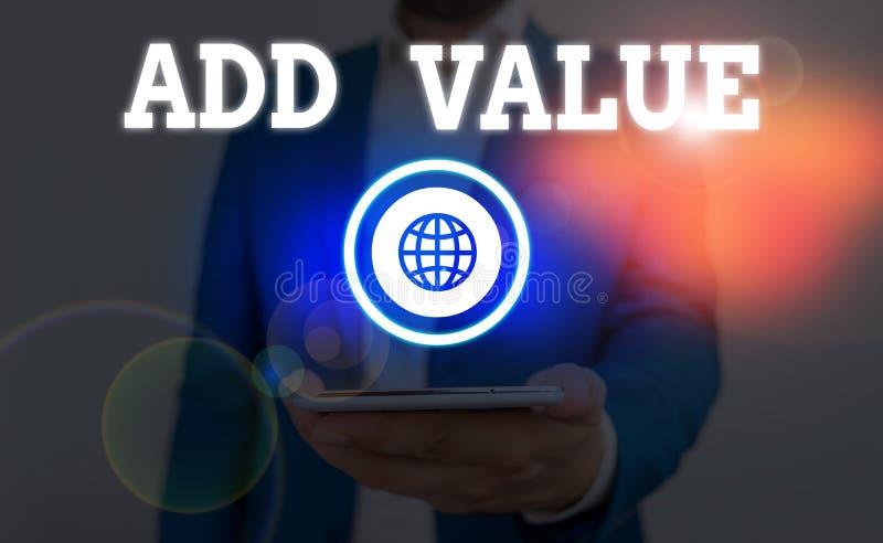 Tekstteken met toegevoegde waarde Conceptuele foto een verbetering of toevoeging aan iets dat het waardevoller maakt royalty-vrije stock afbeeldingen