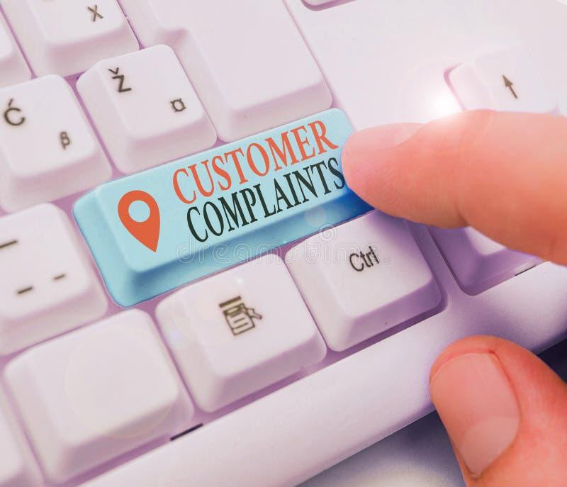 Tekstteken waarop klantklachten worden weergegeven Conceptuele foto-expressie van ontevredenheid bij de consument is voor rekenin stock foto