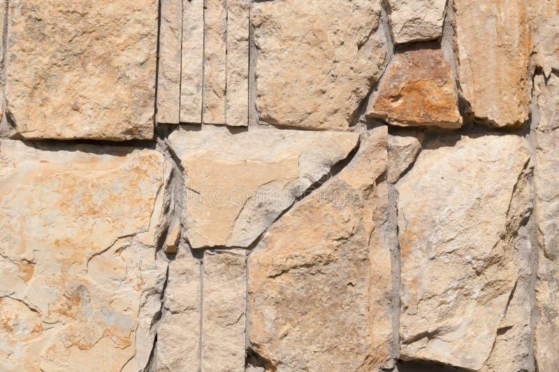 Tekstura ściana wielcy czerepy naturalny kamień obrazy royalty free