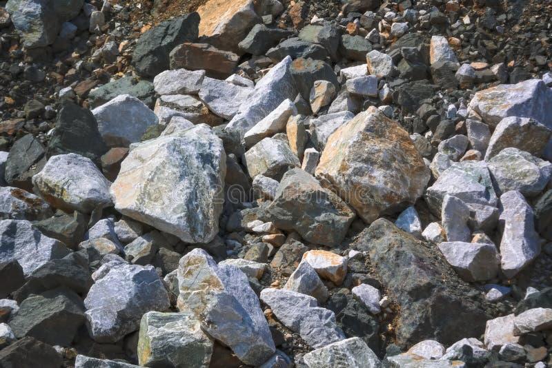 Tekstura ampuła kamienie w łupie dla ekstrakcji kamień zdjęcie stock