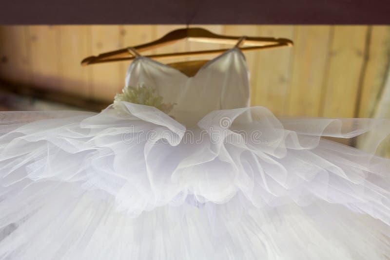 Tekstura biały tiul klasyczny spódniczka baletnicy widok spod spodu fotografia stock